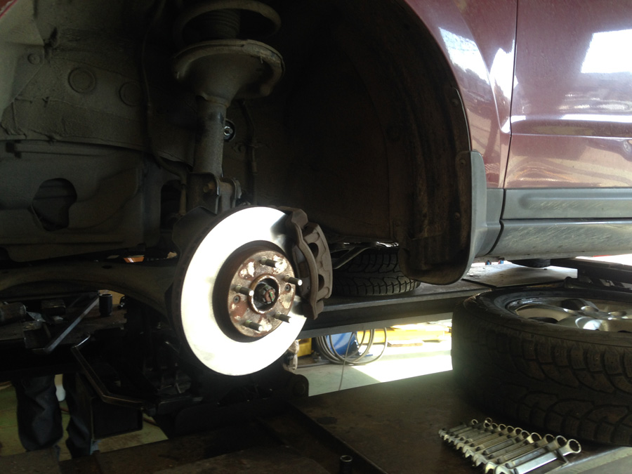 car-brakes-being-fixed-in-a-brake-shop-in-kelowna