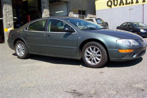 2004 Chrysler 300m – side view passenger side